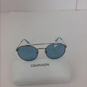 🦃NWOT Calvin Klein CK Unisex sunglasses